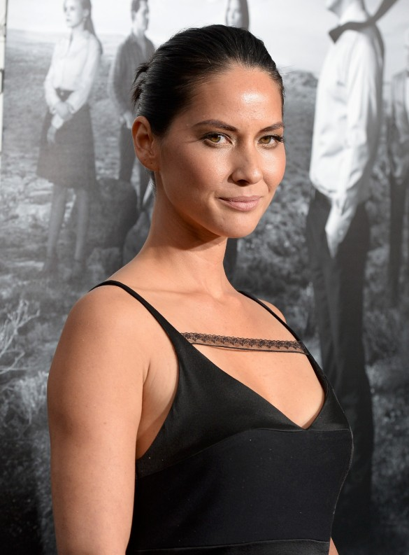 "Olivia Munn –  Premiéra ""The Newsroom"" 2"